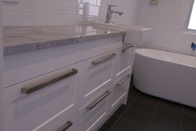 custom-bathroom-02-vanity