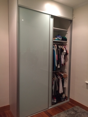 sliding-glass-wardrobe-01