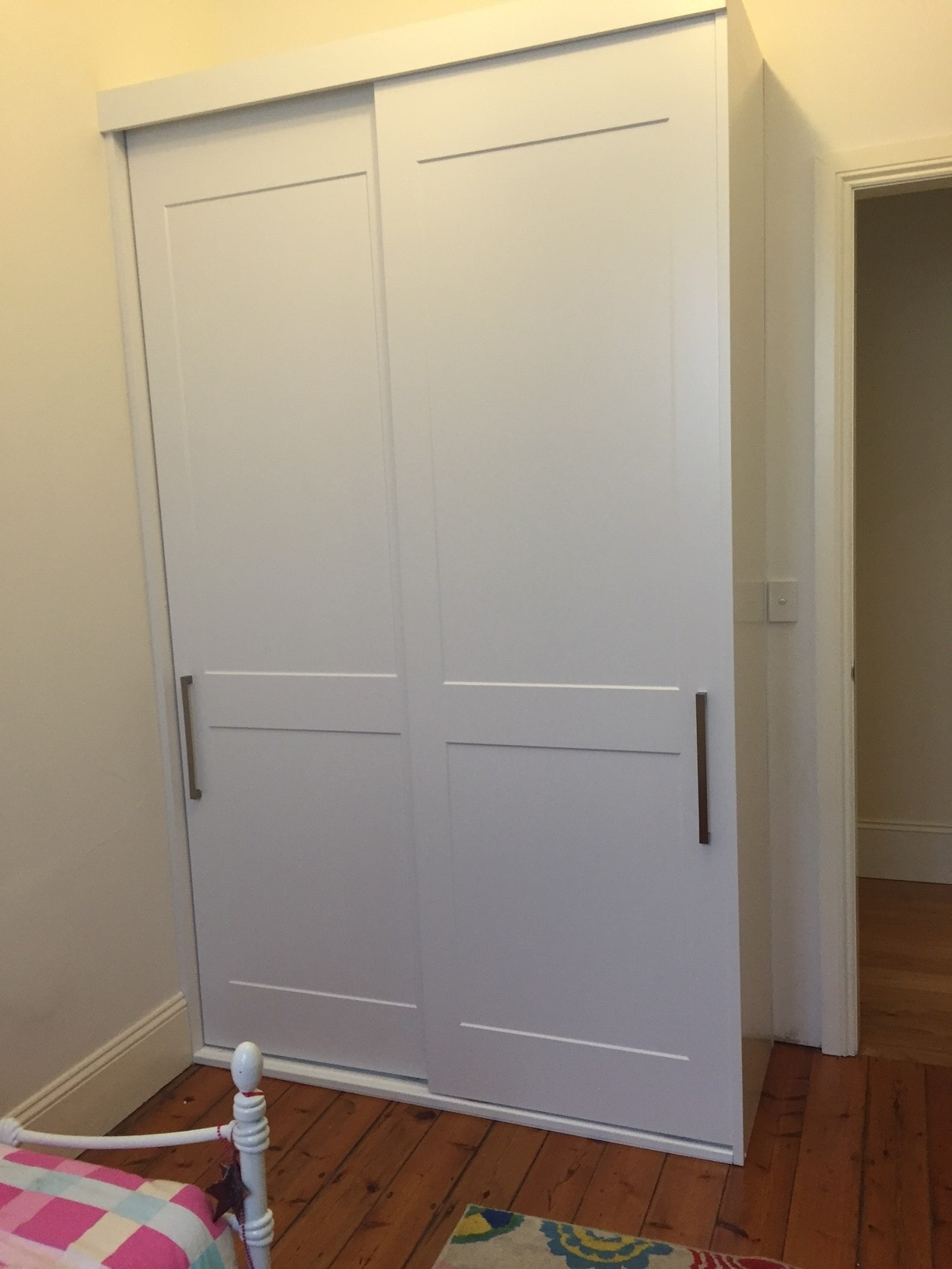 custom-wardrobe-shaker-1
