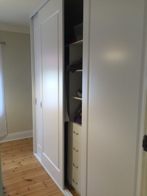 custom-sliding-wardrobe-1